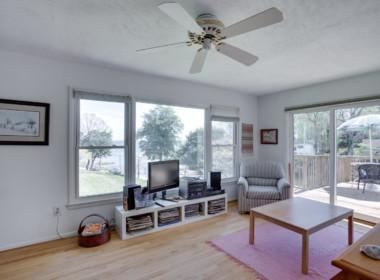 1598 N Harbor Dr Saint Leonard-large-020-33-Family Room-1500x1000-72dpi