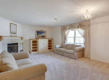 14400 Paddington Ct Unit 139-large-023-160-Living Room-1500x1000-72dpi