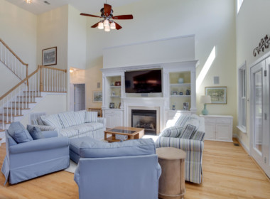 1870 Cool Springs Way-large-033-24-Family Room-1500x1000-72dpi