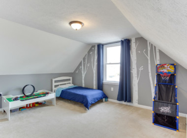 2909 Main St Edgewater MD-large-025-020-Upper Level Bedroom 2-1500x1000-72dpi