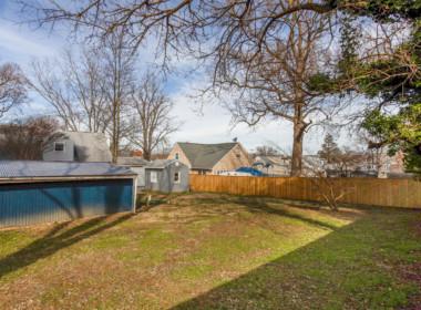 2909 Main St Edgewater MD-large-037-033-Back Yard-1500x1000-72dpi
