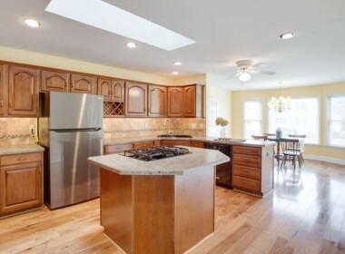 21680 Pebble Beach Ct-small-052-019-Kitchen-666x445-72dpi