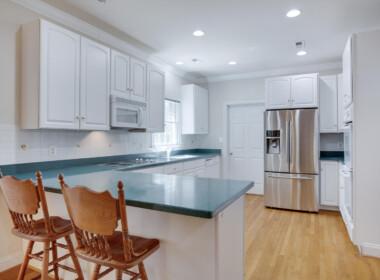 3585 Dares Beach Rd Prince-large-023-028-Kitchen-1500x1000-72dpi