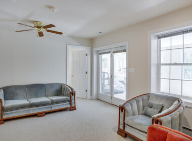 3585 Dares Beach Rd Prince-large-038-041-Sitting Room-1500x1000-72dpi