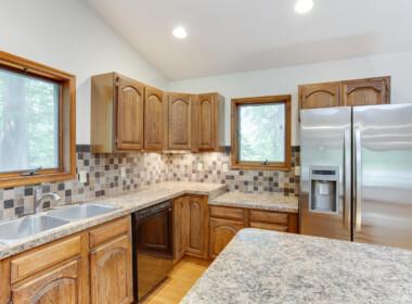 5320 Cove View Dr Saint-large-029-058-Kitchen-1500x1000-72dpi