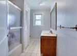 2510 Plum Point Rd Huntingtown-large-018-002-Bathroom-1500x1000-72dpi